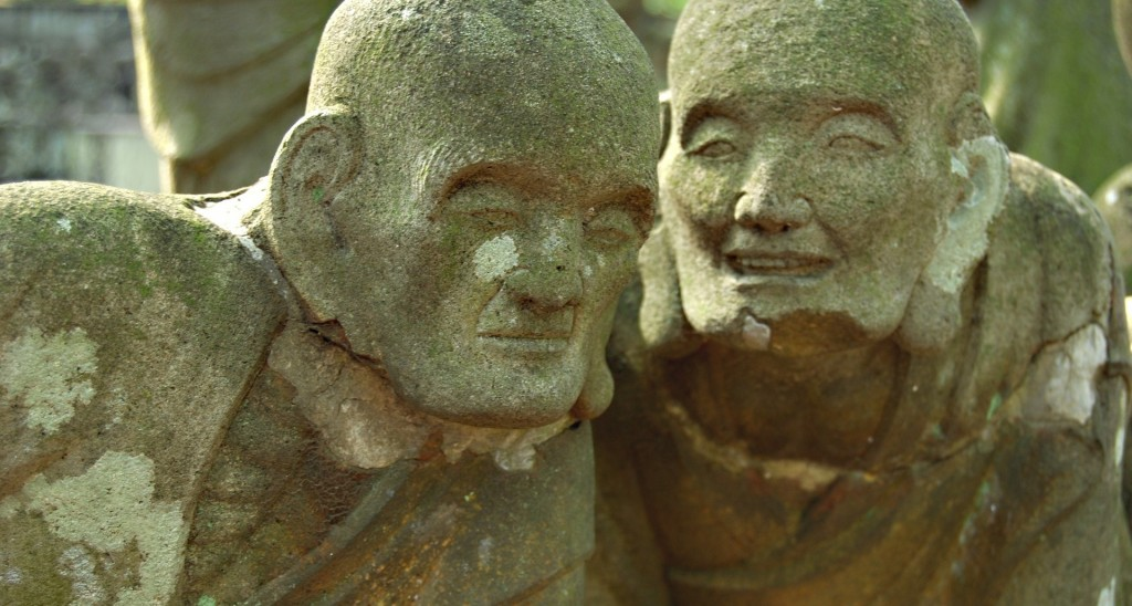 Buddha statues talking together